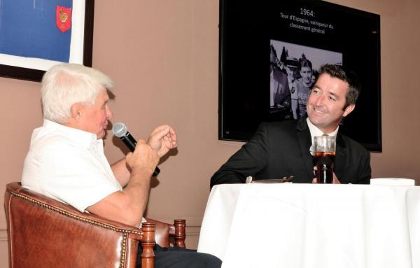 Karl Olive et Raymond Poulidor au Rugby Club 02
